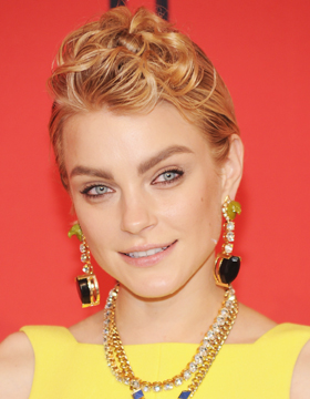 Short Hair Styles for Blondes: Jessica Stam